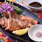 てぃだの花 - 沖縄次世代ブランド豚「キビ丸豚」のロースステーキ‼ 1,280円「税抜き」