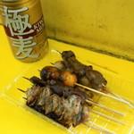 鳥勢 - 2012.7 焼鳥(1串60円)、極麦(130円)