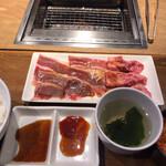 焼肉ライク - 匠カルビ、バラカルビセット100g  710円
