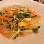 ワイン厨房 tamaya - 鯛のカルパッチョ 980円