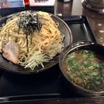 もちもちの木 - つけ麺(中盛)全景