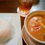 タイズ - イエローカレー。ご飯大盛り。