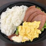 ファニーフードストア - ポーク玉子弁当(レタス増し、さんぴん茶、島豆腐チャンプルー、にんじんしりしり)700円