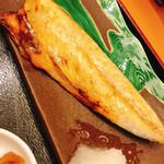 函館海鮮居酒屋 新久 - 塩さば焼き