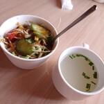 インド料理専門店 MUNA - 料理写真:サラダとスープ
