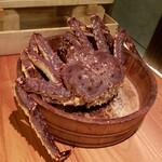 活け蟹と海栗 カニジェンヌ
