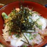 Tsukiusagi - 海鮮丼です