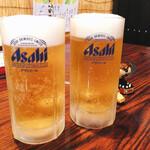 せんばやし - ドリンク写真:すごくキレイなビール 美味しいわぁ(´ω`)