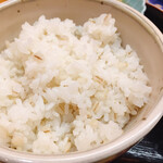 銀座 熊さわ - 食べやすい麦飯
