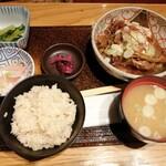 仙台旬風 冨和利 - 牛すき焼き豆腐定食(1000円)