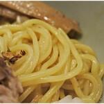 あぶら~亭 - ガチムチな食感の麺。