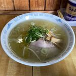 名水ラーメン - 料理写真:塩ラーメン(750円)