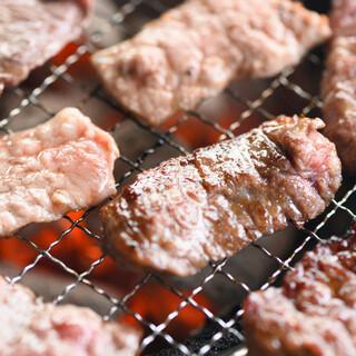 国産和牛、道産和牛に手間を惜しまず、最高の炭火焼肉を!