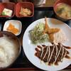 いつもの場所 - 料理写真:スパイシーメンチカツ&エビフライ定食