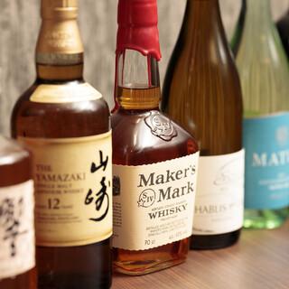 日本酒や焼酎をはじめ、各種豊富にドリンク取り揃えております
