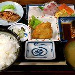 魚や 旬 - 魚や 銀座店 魚づくし定食 950円