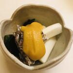 Kagurazakasasaki - 鯛の皮 山ウド 若芽 玉味噌