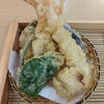 Sobadokoro maruhachi - 天ぷら盛り合わせ