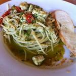 サントピアット - 真鯛、生トマト、バジリコソースのパスタ(リングイネ)