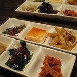 韓国料理 MUN - 前菜 (お替り自由)