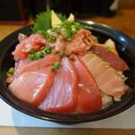 139550622 - 鮪三昧丼UP
