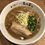 らーめんとカラアゲ あの小宮 - 札幌直伝屋の味噌らーめん(880円)