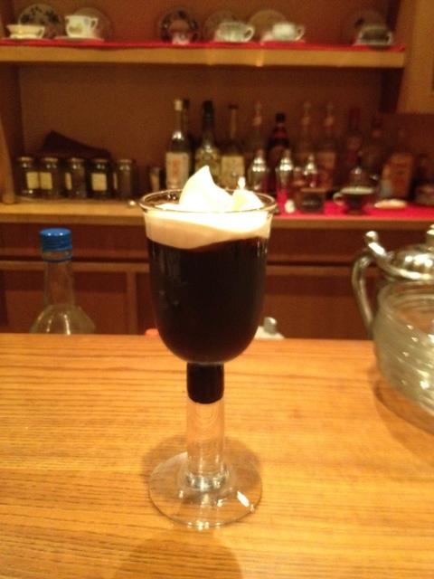 はんの木 - 「アイリッシュコーヒー」おなじみお酒入りコーヒーです。クリームが美味しい!
