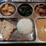 インド・ネパール料理 ナラヤニ - ダルバート