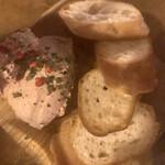 ブッチャーブラザーズ - 地鶏のフレッシュレバーパテ(税別680円)