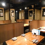 toritonkicchin - 店内(テーブル席)
