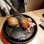 139583987 - 一日10食限定肉汁あふれる渾身のハンバーグ