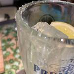 将軍ホルモン - 吉田レモンサワー子供¥480グラスに付いてる塩が凄く良いあんばいに働きレモンサワー( ゚д゚)ンマッ!と旦那さん驚いてた!!