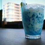 マスターズカフェ - 青空クリームソーダ(620円)