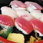 ふるさと味覚館 - 地魚寿司
