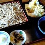 利根川蕎麦店 - 料理写真:天もりそば