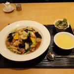 泰平飯店 - 五目焼きそば(醤油味)