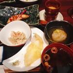 139608693 - 茶碗蒸し 蓮根万十 煮魚 天ぷら 赤だし