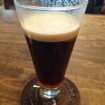 クラムボン - ウインナーコーヒー650円、上に液状の生クリーム、底には溶かしていない状態の砂糖が入っています