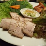 韓食堂 モクチャ - ポッサム(湯で豚の野菜包み)小