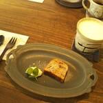 そら豆ガラス商店 - 料理写真:チョコバナナのパウンドケーキ&カフェオレ