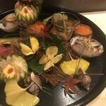 139648686 - 八寸 栗、つぶ貝、鰆、筋子、あん肝、シメジ、煮凝り
