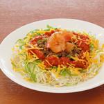 島野菜としゃぶしゃぶ がじゅまる - あぐー豚を使ったタコライスです。