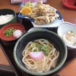 うちだ屋 - 料理写真:とり天定食 946円