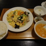 佳佳苑 - 玉子と木耳炒め定食(2012/07)
