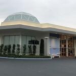 トゥモローランド・テラス - 中央広場側出入口(2020/09撮影)