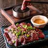 肉もつ屋 神坊 - 料理写真:石焼和牛レバー480円(写真は二人前)
