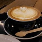 ゼブラ コーヒーアンドクロワッサン - カフェラテ