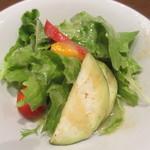 ラ ヴァカンツァ - ランチのサラダ