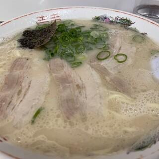 来久軒 - 料理写真:大盛りラーメン800円
