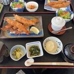 海陽亭 - エビフライ定食です